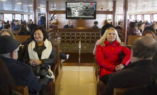 İstanbulda Toplu Taşıma Araçlarında Duygusal Anlar