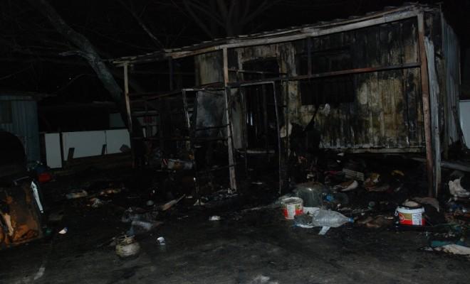 İşçilerin Kaldığı Barakada Yangın : 1 Ölü