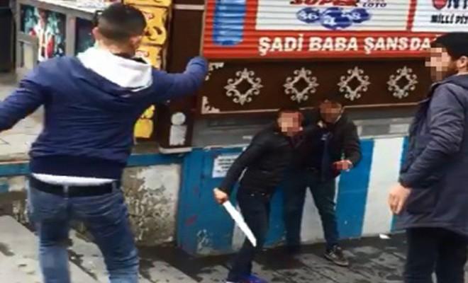 Bıçaklı Gençler Dehşet Saçtı: 4 Yaralı
