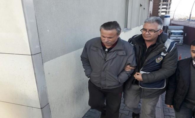 Khk İle Kapatılan Derneğe Operasyon: 23 Gözaltı