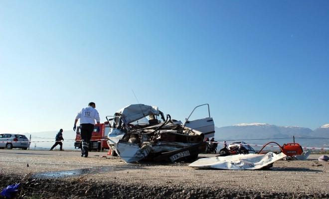 Manisada Korkunç Kaza: 3 Ölü, 2 Yaralı