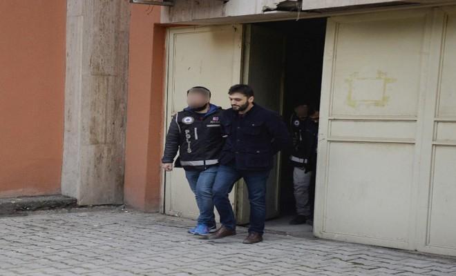 Fetö Soruşturmasında 17 Eski Polis Tutuklandı