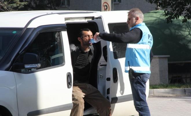 Meslektaşlarını Yaralayan Kişiye Polis Şefkati