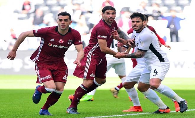 Beşiktaş, Özel Maçta Romanya Ekibine Boyun Eğdi