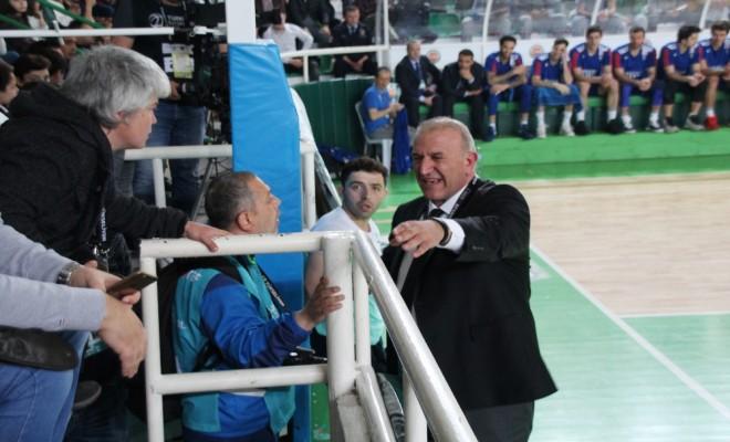 Giresunda Basketbol Maçında Yeşil Alan Krizi