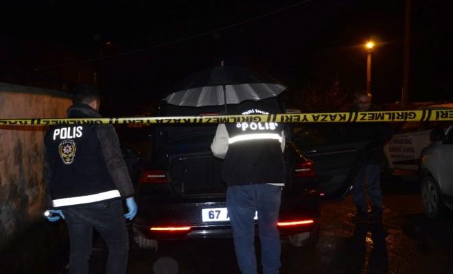 Otomobilinde Otururken Kazayla Kendini Vurdu