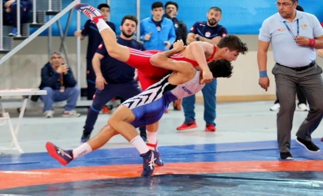 Yıldızlar Grekoromen Ve Serbest Güreş Şampiyonaları Sona Erdi