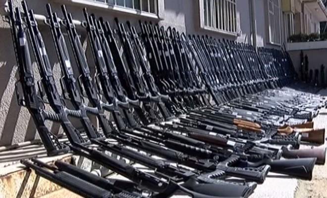 İstanbulda Silah Deposuna Baskın