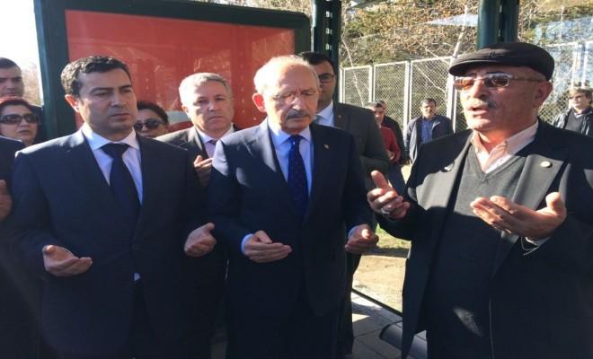 Kılıçdaroğlu Kayserideki Şehitler Durağını Ziyaret Etti