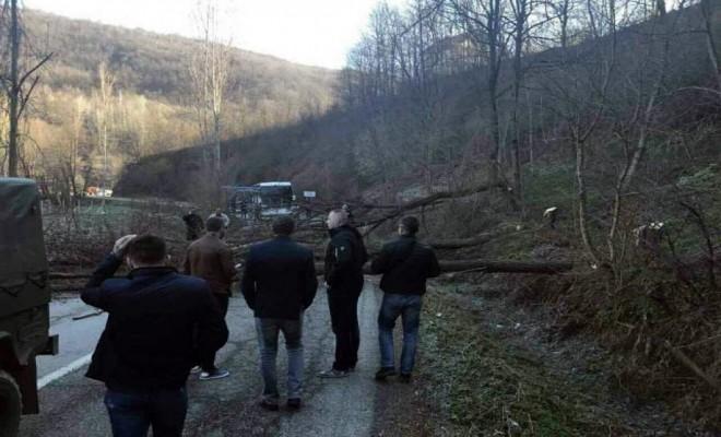 Kosova İle Sırbistan Arasında Seçim Gerginliği