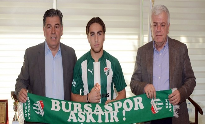 Bursaspor Genç İsimle Anlaştı