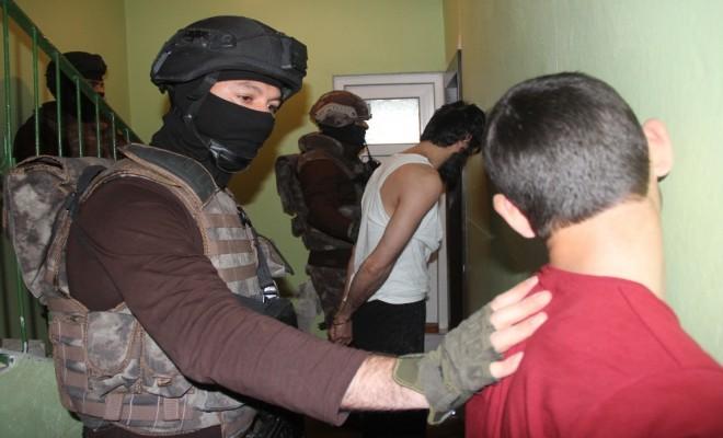 500 Polisle Terör Operasyonu: 11 Gözaltı