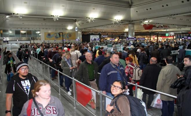 Atatürk Havalimanında Yoğunluk