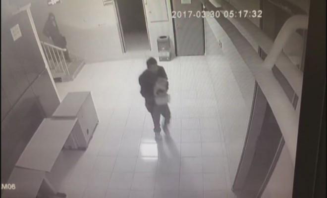 Okul Hırsızları Kameraya Böyle Yansıdı