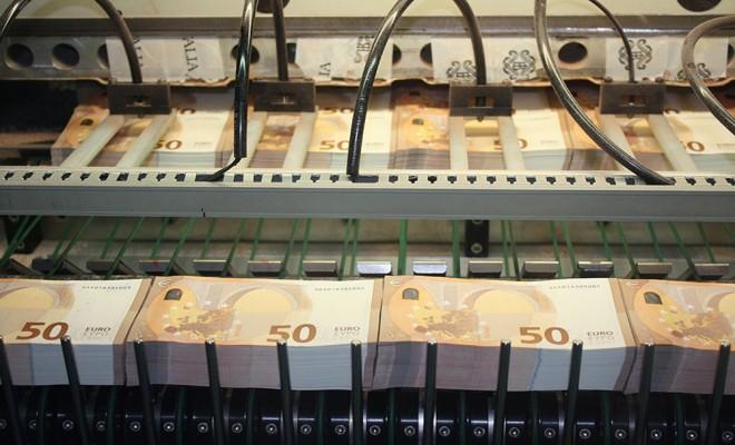 Yeni 50 Euroluk Banknotlar Yarın Piyasada
