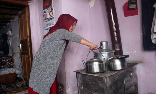 Köyün İlk Kadın Korucusu Vatan Nöbetine Başladı