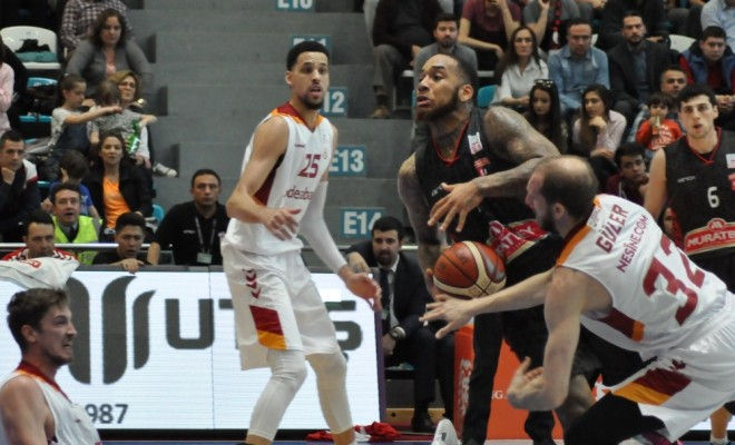 Galatasaray, Muratbey Uşaka Fırsat Vermedi