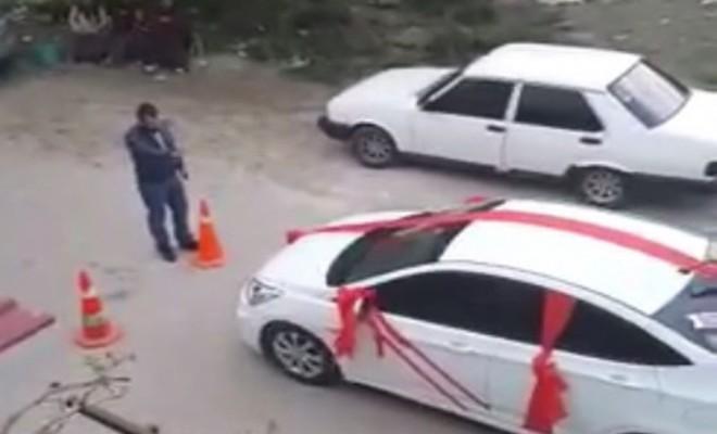 Damadı Araçtan İndirip Diz Çöktürdü