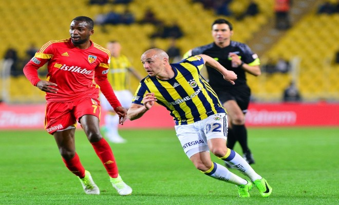 Fener Yarı Finalde: Rakip Başakşehir