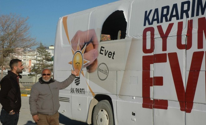 Ak Partinin Seçim Otobüsüne Saldırı