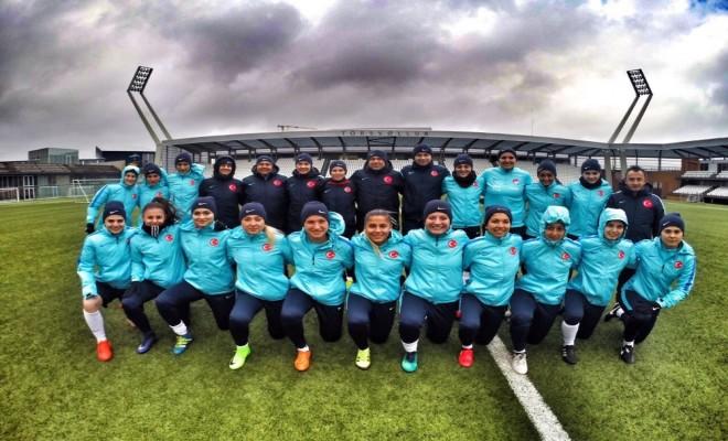 A Milli Kadın Futbol Takımı, Karadağı Ezdi Geçti