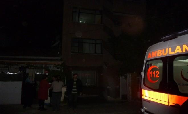 İstanbulda Akıl Almaz Olay: Kadın Öldü, Eşi Ve Oğlu Hastanede