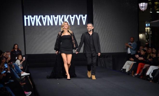 Ünlü Modacı Koleksiyonunu İzmirde Sergiledi