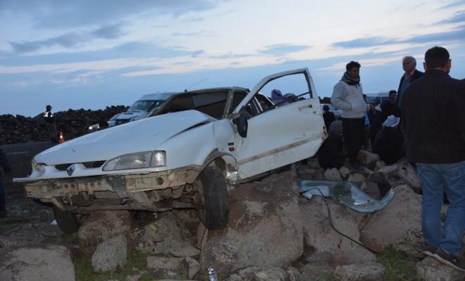 Otomobil Takla Atarak Şarampole Devrildi: 1 Ölü
