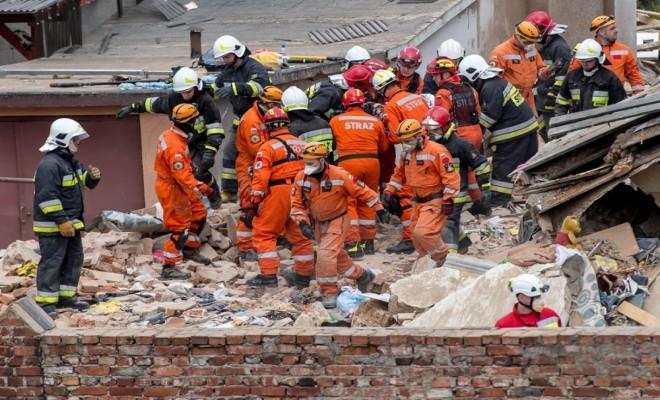 Polonyada Bina Çöktü: 6 Ölü