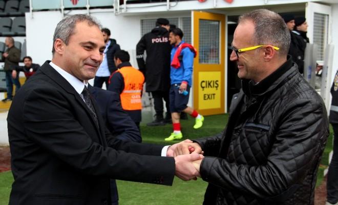 Lider İstanbuldan Çıkamadı