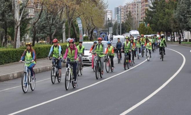Diyarbakırda Pedallar Farkındalık İçin Çevrildi