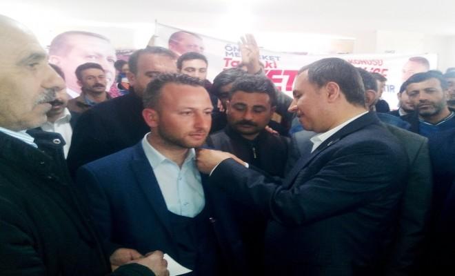 Partilerinden İstifa Edip Ak Partiye Katıldılar