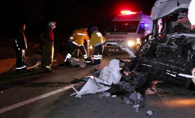 Fenerbahçe Maçı Dönüşü Kaza: 1 Ölü, 19 Yaralı