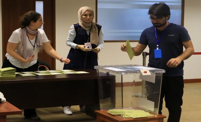 Referandum İçin Bin 600 Kilometre Kat Ettiler