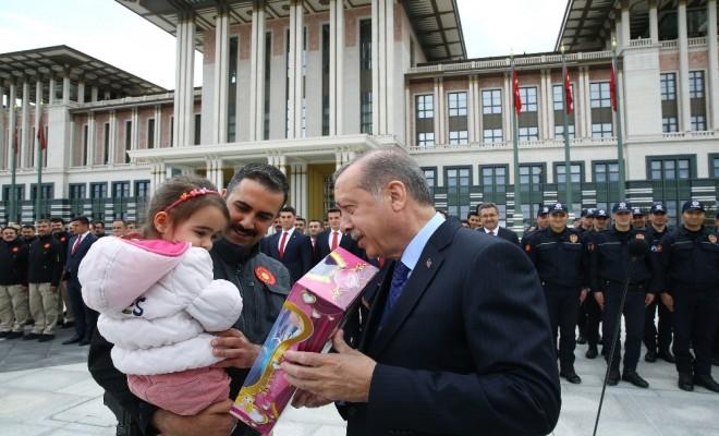 Cumhurbaşkanı Erdoğan Polislerle Bir Araya Geldi