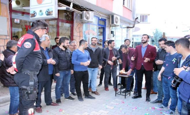Kavga İhbarına Giden Polislere Pasta Sürprizi
