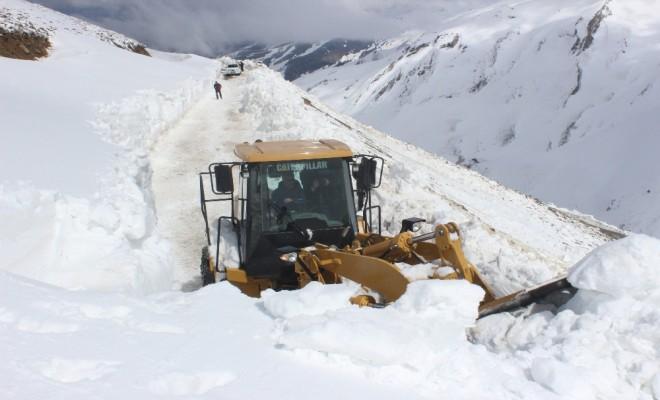 Kar Kalınlığı 10 Metreyi Buldu