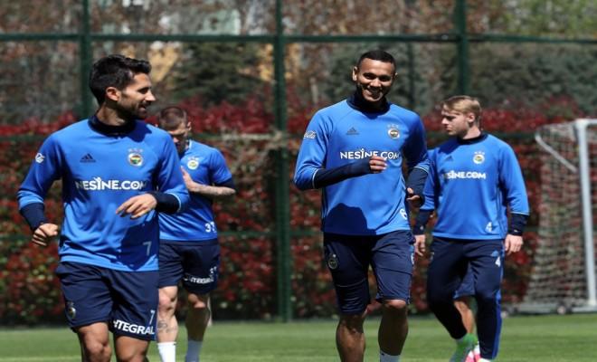 Fenerbahçede Derbi Hazırlıkları Sürüyor