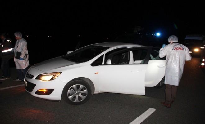 Otomobile Kurşun Yağdırdılar: 1 Ölü, 1 Yaralı