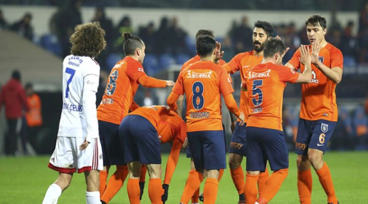 Medipol Başakşehir, Karabükspor'u 5-0 Mağlup Etti