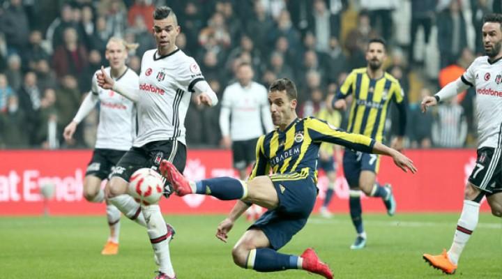 Beşiktaş-Fenerbahçe - İLKYARI SKOR