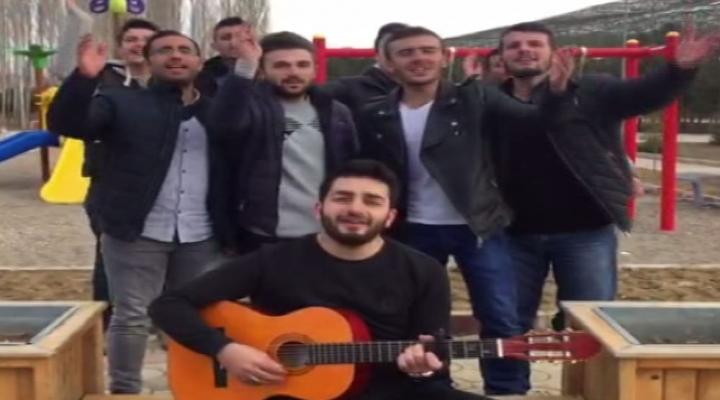 Üniversiteli Gençlerden Ygs Şarkısı