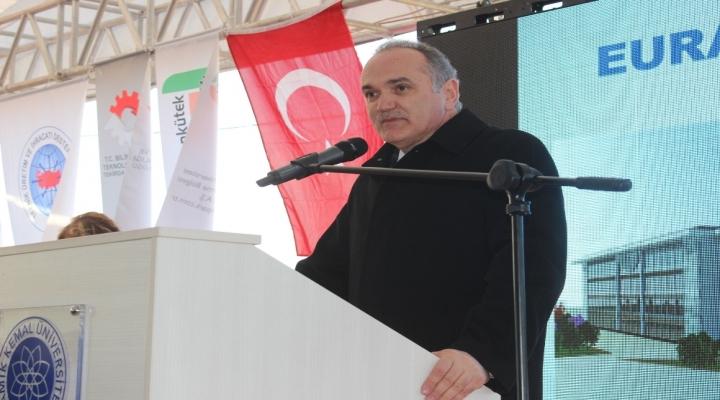 Bakan Özlü: Türkiyenin Gerçek Açığı Teknoloji Açığıdır