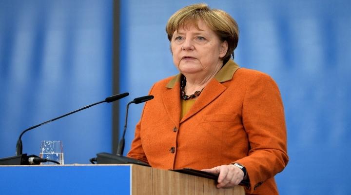 Merkelin Zoruna Gitmiş !