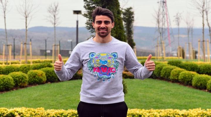 """Trabzonspora İstemeyerek Gitmiştim"""