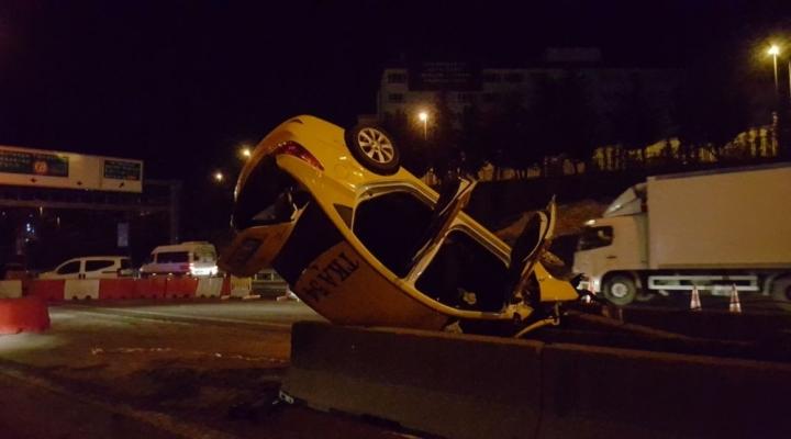 Ticari Taksi Takla Attı: 1 Ölü, 2 Yaralı