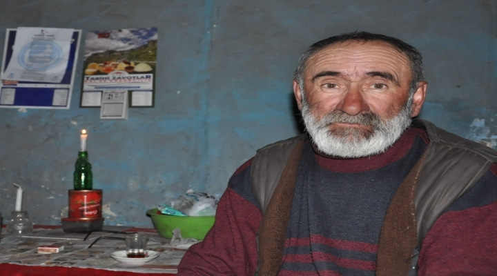 Kalp Hastası Adam Mum Işığında Yaşam Mücadelesi Veriyor