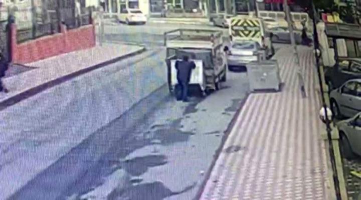 Çöp Konteyneri Hırsızları Kamerada