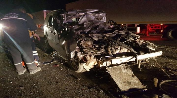 Otomobil Tıra Arkadan Çarptı: 1 Ölü