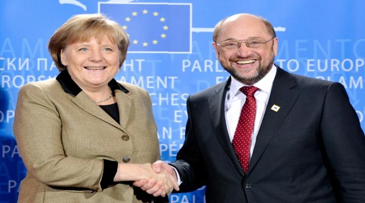 Merkelin Oyları Eriyor